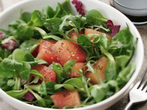 Grüner Salat mit Melone Rezept