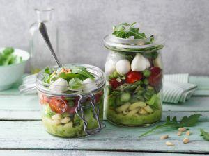 Grüner Spargel-Nudel-Salat im Glas Rezept