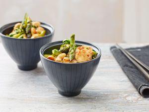 Grüner Spargel und Hähnchenbrust aus dem Wok Rezept