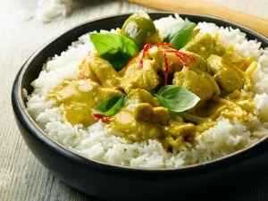 Grünes Curry mit Hähnchen Rezept