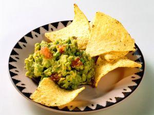 Guacamole mit Chips Rezept