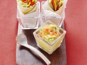 Guacamole und Tortillas mit Avocadocreme und Gemüse Rezept