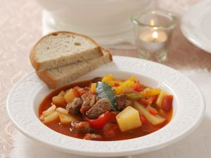 Gulasch nach ungarischer Art Rezept