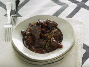 Gulasch vom Lamm mit Cranberrie-Portwein-Soße Rezept