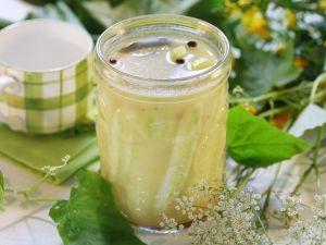Gurken im Honig-Essigsud Rezept
