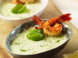 Gurkenkaltschale mit Shrimps Rezept