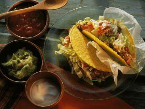 Hackfleisch-Tacos mit Dip Rezept