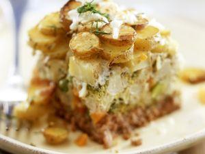 Hackfleischauflauf mit Kartoffeln, Brokkoli und Blumenkohl Rezept