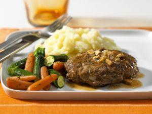 Hacksteak mit Gemüse und Püree Rezept