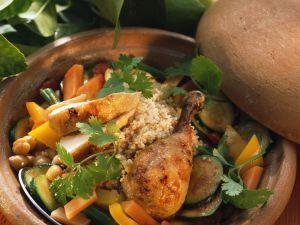 Hähnchen aus dem Römertopf mit Couscous und Gemüse Rezept