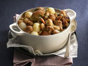 Hähnchen-Bohnen-Eintopf mit Zwiebeln Rezept