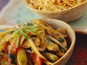 Hähnchen-Gemüsepfanne mit Knusper-Nudeln Rezept