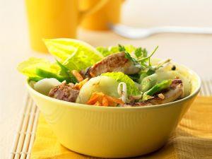 Hähnchen-Gemüsesalat Rezept