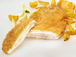 Hähnchen nach Cordon-Bleu-Art mit Kartoffelsticks Rezept