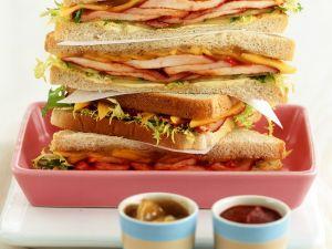 Hähnchen-Sandwiches mit Mangochutney Rezept