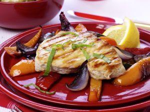 Hähnchenbrust mit Gemüse vom Grill Rezept