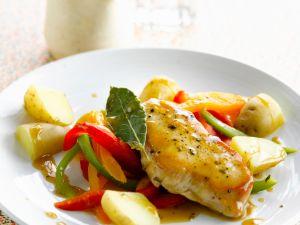 Hähnchenbrust mit kleinen Kartoffeln und Paprikastreifen Rezept