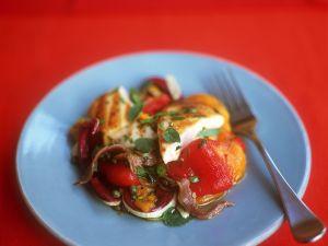Hähnchenbrust mit Paprikasalat Rezept