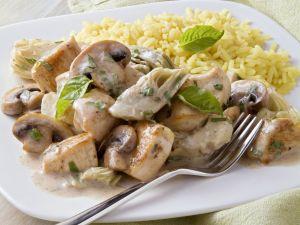 Hähnchenpfanne mit Artischocke, Champignon und Basilikum Rezept
