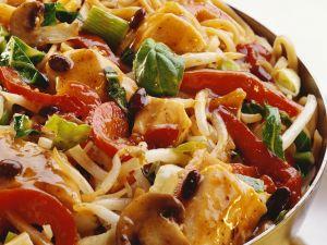 Hähnchenpfanne mit buntem Gemüse Rezept