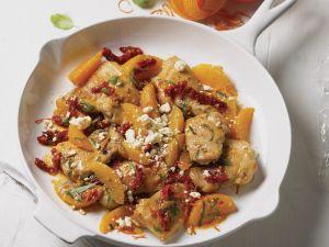 Hähnchenpfanne mit Clementinen, getrockneten Tomaten und Basilikum Rezept