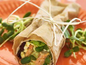 Hähnchenroulade mit körnigem Frischkäse und Sprossen Rezept