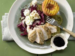 Hähnchensalat mit gegrillten Pfirsichen Rezept