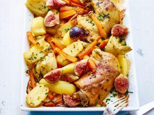 Hähnchenschenkel mit Gemüse im Ofen gebacken Rezept