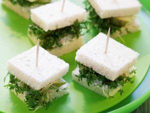 Häppchen mit Birne, Käse und Kresse Rezept