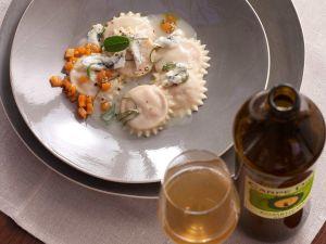 Handgemachte Kürbisravioli mit Gorgonzola dolce Rezept
