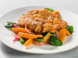 Haselnuss-Schnitzel mit Süßkartoffel-Spinat-Salat Rezept