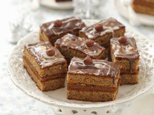 Haselnuss-Toffee-Schnitte mit Schokolade Rezept