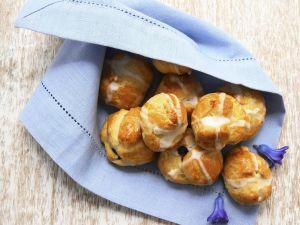 Hefebrötchen auf englische Art (Hot Cross Buns) Rezept