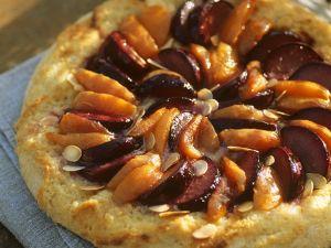 Hefekuchen mit Früchten Rezept