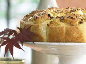 Hefekuchen mit Speck und Zwiebeln Rezept