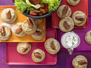 Hefeküchlein mit Salat Rezept