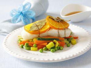 Heilbuttfilet mit Orangen und Gemüse Rezept