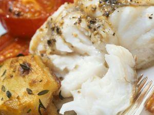Heilbuttfilet mit Schmortomaten und Bratkartoffeln Rezept