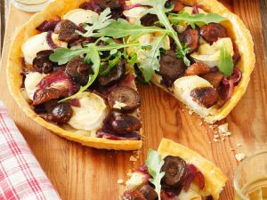 Herbstliche Tarte mit Ziegenrolle und Pilzen Rezept