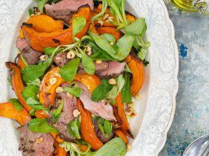 Herbstsalat mit Lamm, Kürbis und Nüssen Rezept