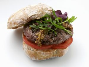 Hirsch-Burger mit Rucola Rezept