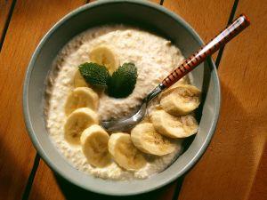 Hirsejoghurt mit Banane Rezept