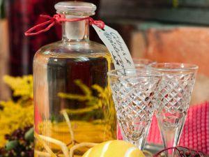 Holunder-Zitronen-Schnaps Rezept