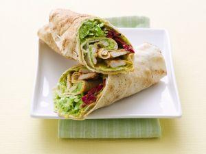 Hühnchen-Wraps mit Roter Bete und Avocado Rezept