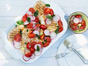 Hühnchenbrust mit Tomate und Radieschen Rezept
