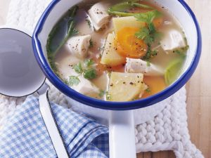 Hühnerbrühe mit Steckrüben Rezept