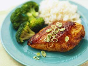 Hühnerbrust gegrillt mit Reis und Gemüse Rezept