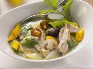 Hühnersuppe mit Pilzen und Gemüse Rezept