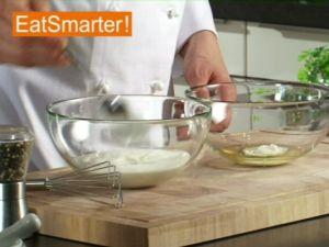Wie Sie Gelatine kinderleicht mit Joghurt verrühren