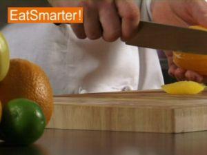 Wie Sie eine Orange gekonnt filetieren und grob hacken
